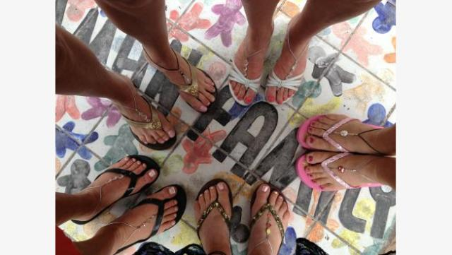 barefoot_sandals_key_west_group_1